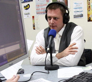 Darragh MacAnthony in radio studio