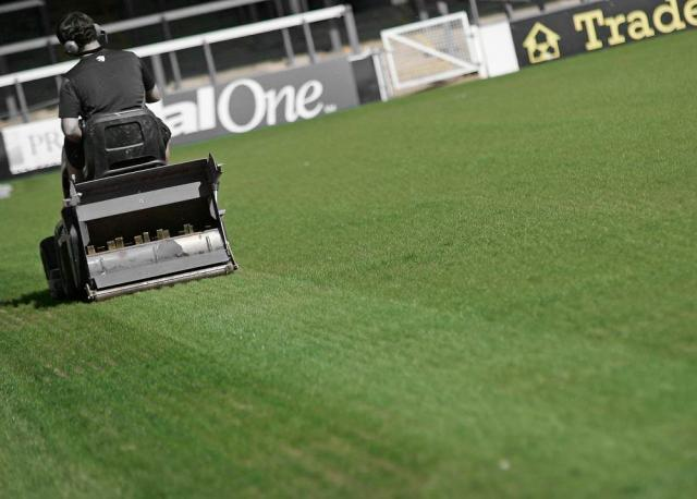 Grass cutting at London Road