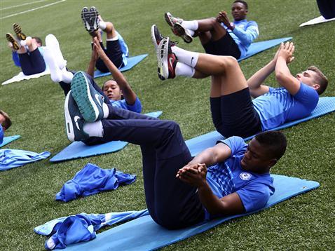Posh on Tour - Day 1 - Training session exercises Shaq