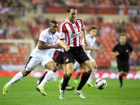 Britt Assombalonga v John O'Shea of Sunderland