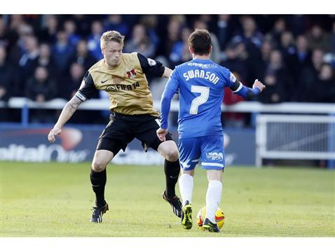 Danny Swanson v Clarke of Leyton Orient