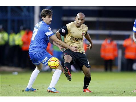 Joe Newell v Omosuzi of Leyton Orient
