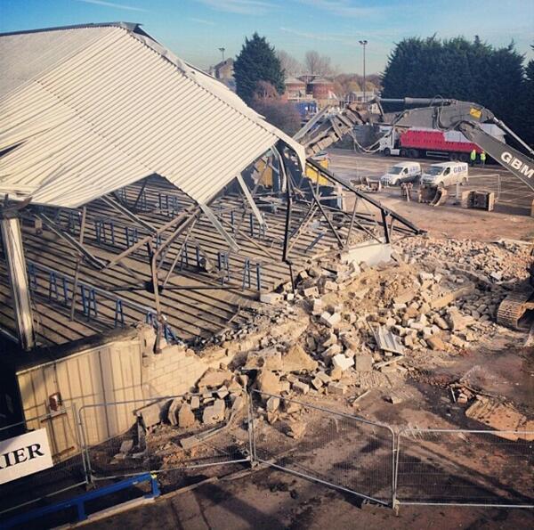 04-Dec-2013 - Moys End being demolished