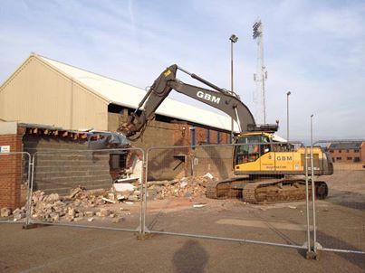 Moys End being demolished
