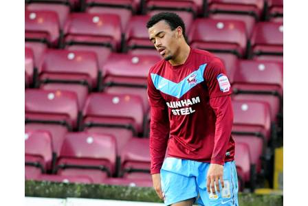 Nicky Ajose on loan at Scunthorpe United from Posh