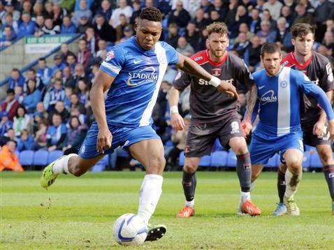 Britt Assombalonga penalty v Carlisle