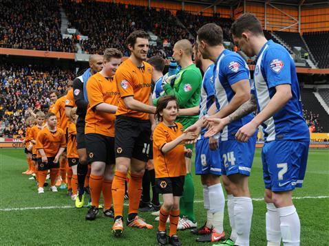Posh v Wolves team handshake