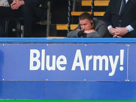 Frustrated Darren Ferguson looks on v Portsmouth