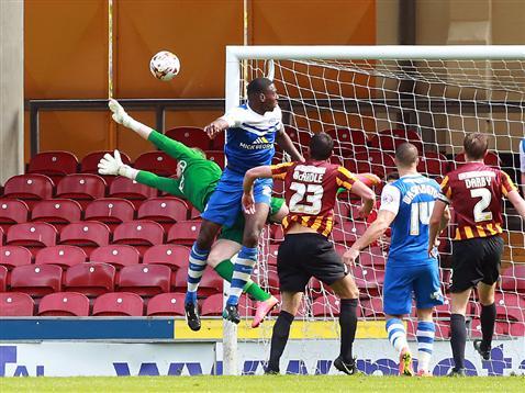 Ricardo Santos goes close with a header from a corner v Bradford