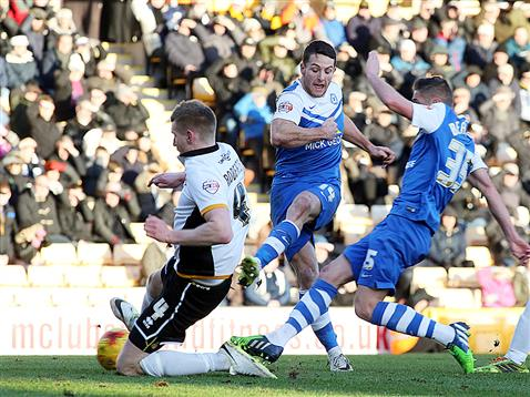 Conor Washington stabs Posh in front v Port Vale