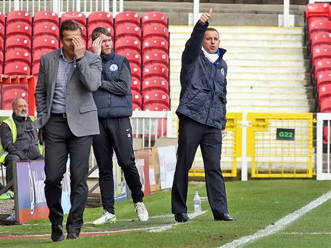 Dave Robertson thumbs up v Swindon