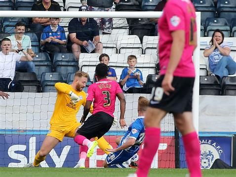 Ben Alnwick concedes goal nbr 1 v Rochdale