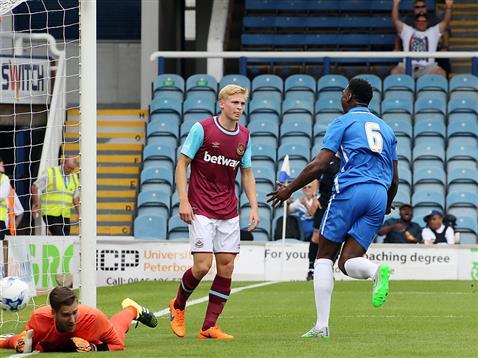 Ricardo Santos opens the scoring v West Ham