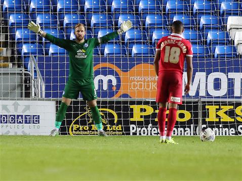 Ben Alnwick facing a penalty v Charlton