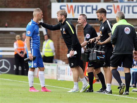 Grant McCann gives Marcus Maddison advise v Gillingham