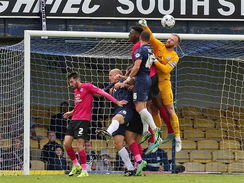 Ben Alnwick misses a punch v Southend