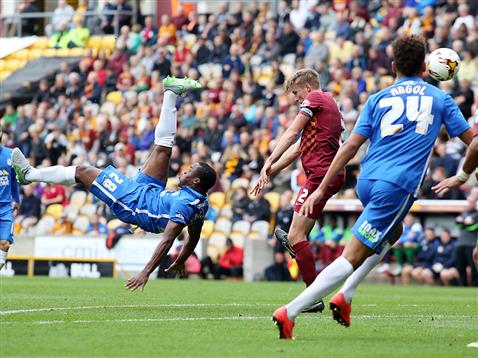 Souleymane Coulibaly tries an overhead kick v Bradford