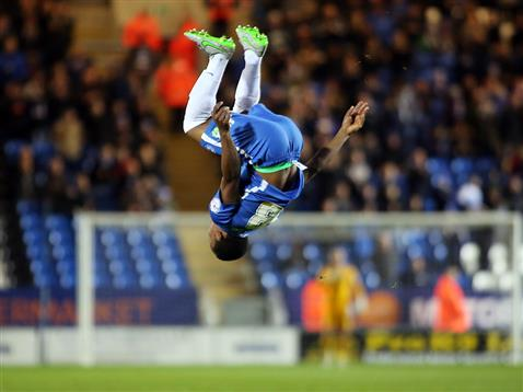 Souleymane Coulibaly backflips v Fleetwood 2