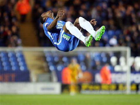 Souleymane Coulibaly backflips v Fleetwood