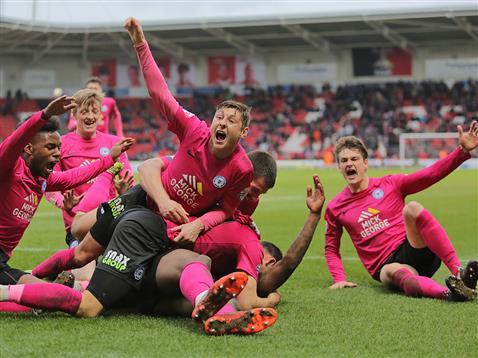 Ricardo Almeida Santos celebrates scoring a last minute winner v Doncaster 4