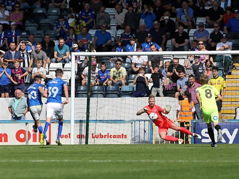 Ben Alnwick goes the wrong way for the Rochdale penalty