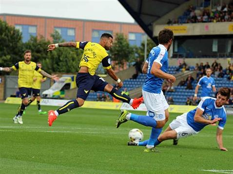 Jack Baldwin blocks an Oxford shot