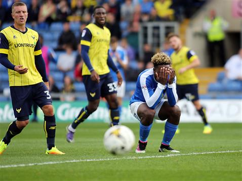 Jermaine Anderson head in hands v Oxford