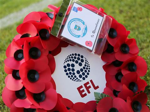 efl-posh-poppy-wreath