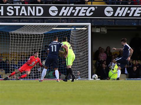 luke-mcgee-dives-the-right-way-for-the-penalty-v-southend