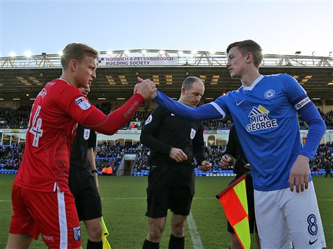 referee-graham-horwood-with-chris-forrester-and-gillingham-captain