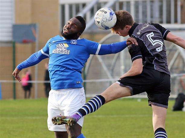 junior-morias-v-colchester-united-reserves