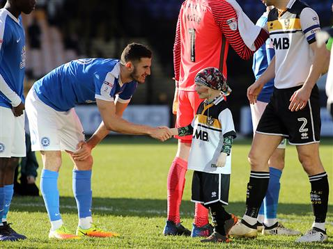 dominic-ball-meets-the-port-vale-freekicks-mascot