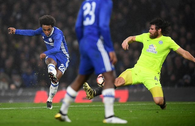michael-bostwick-cant-stop-an-impressive-williamfrom-notching-goal-number-three-for-chelsea