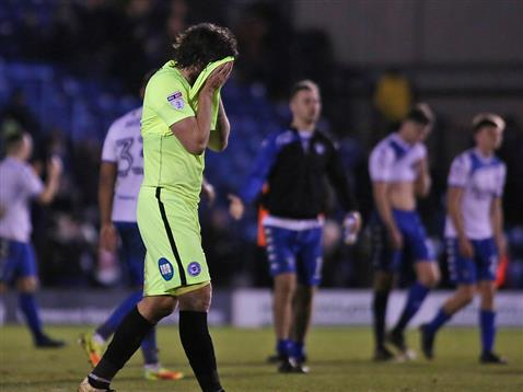 michael-bostwick-hiding-his-head-after-5-1-defeat-at-bury