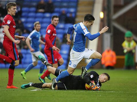 tom-nichols-denied-by-the-rochdale-keeper